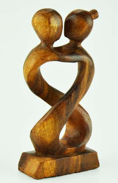 Paar Kuss mittig offen